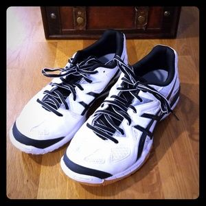 Excellent condition women's size 7 Asics shoe
